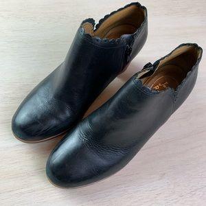 Jack Rogers | black stacked heel bootie